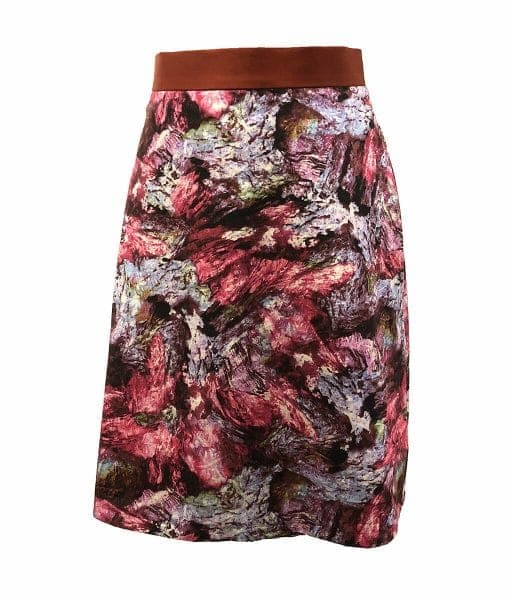 Front view of woken hole cave print skirt
