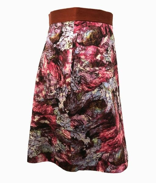 Side view of woken hole cave print skirt